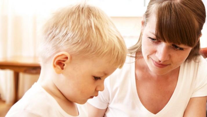 9 điều bạn không nên nói với con mình